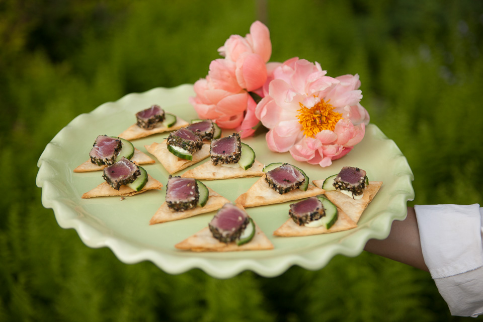 tuna sushi hors d'oeuvre