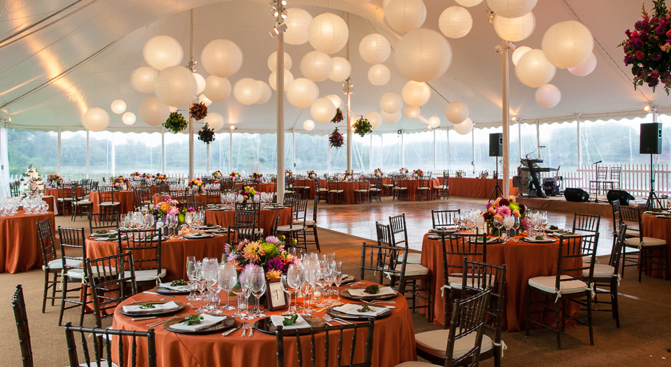 wedding tent with chinese lanterns